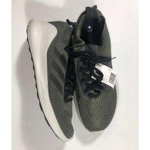 NWT Adidas purebounce size 10. Green & black.